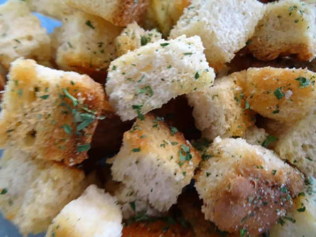 Finished croutons with spices