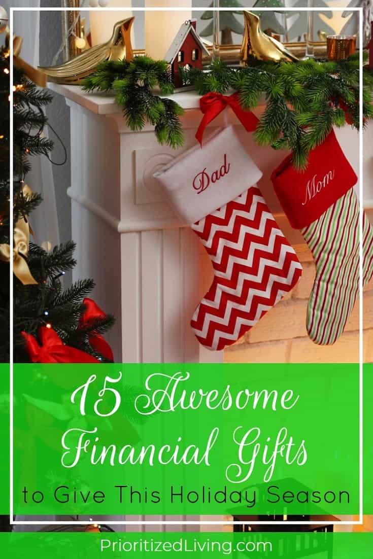 Ready to start shopping for the person in your life who loves being on top of her finances? Here's your perfect holiday gift guide for awesome money gifts! | 15 Awesome Financial Gifts to Give This Holiday Season | Prioritized Living