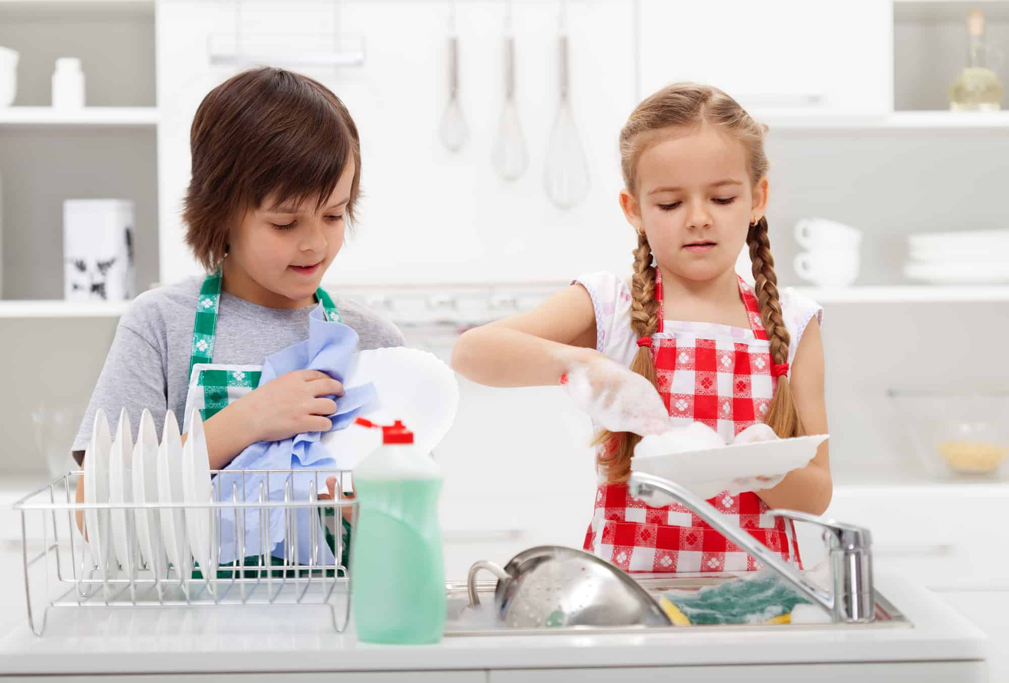 kids doing dishes for chores