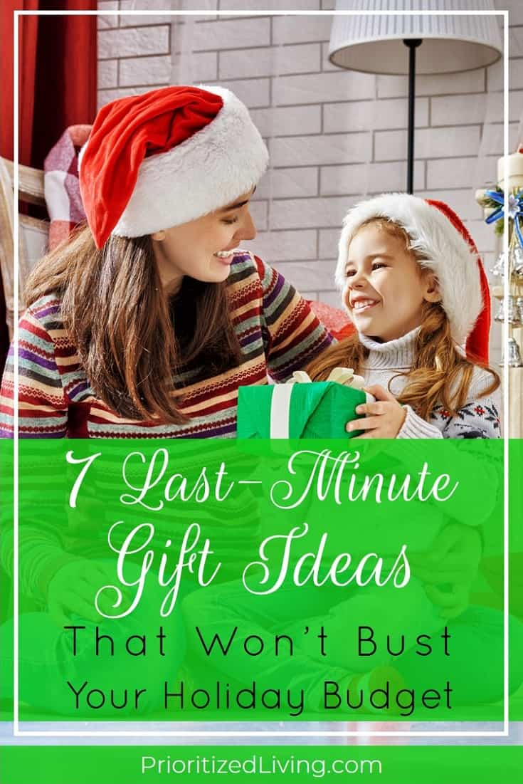 Skip the mall markups this Christmas Eve! Here are the perfect budget-friendly, last-minute gift ideas your loved ones will adore. | 7 Last-Minute Gift Ideas That Won't Bust Your Holiday Budget | Prioritized Living